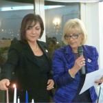 Fiorella Annibali, Presidente della Fidapa BPW Italy – Distretto Centro, accende la candela USA