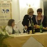 Consegna del Premio Donna 2016;  da sinistra Fiorella Annibali, Presidente FIDAPA BPW Italy del Distretto Centro, Gabriella Sarracco - Presidente sezione FIDAPA BPW Italy di Civitavecchia e la socia Laura Gurrado Premio Donna 2016